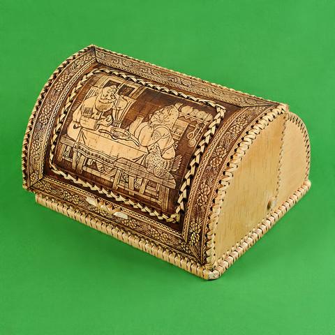 Хлебница из бересты с изображением Деда и Бабки 2