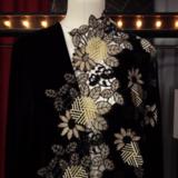 Чёрный шелково-вискозный бархат с широким ажурным бордюром с вышивкой