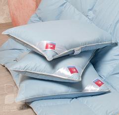 Подушка пуховая Коллекция  Камелия ,пух 1 категории, цвет голубой.