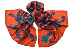 Палантин из вискозы оранжевый с принтом 1378