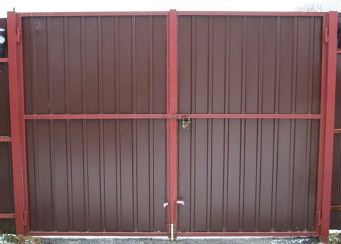 Распашные ворота из профнастила 4000Х2000