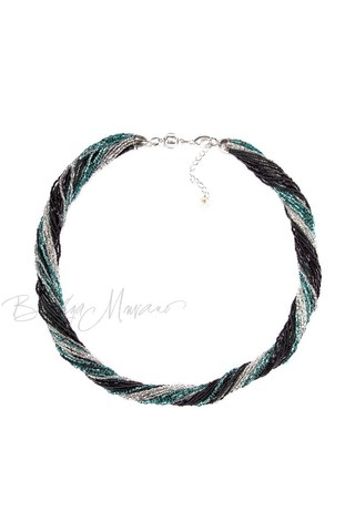 Бисерное ожерелье из 24 нитей черно-зеленое