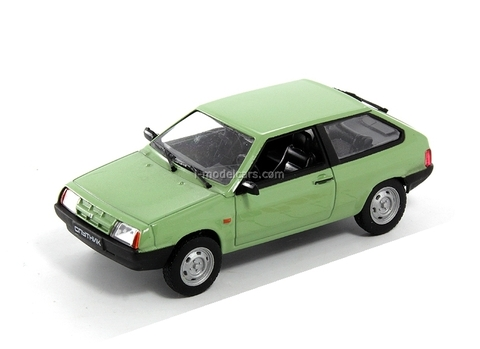 VAZ-2108 Sputnik Lada Samara light green 1:43 DeAgostini Auto Legends USSR #21