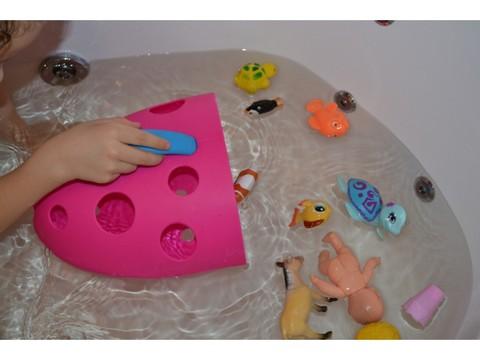 Органайзер Roxy для игрушек и банных принадлежностей на присоске красный