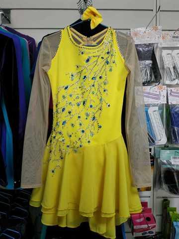 Платье со стразами б/у, рост 128-134 см