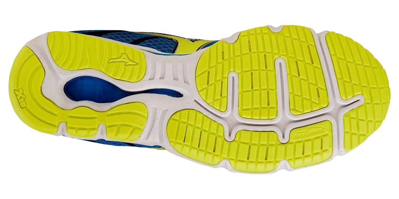 Беговые кроссовки для мужчин Mizuno Wave Hitogami 3 - скоростные марафонки