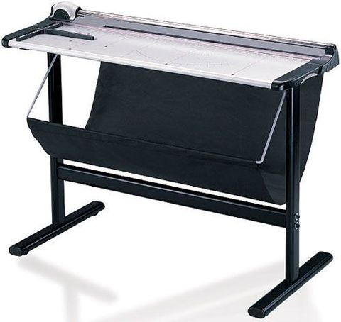 Резак для бумаги Steiger R-130 (со столом)
