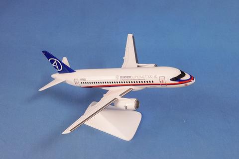 Модель самолета SSJ-100 (М1:48, ГСС)