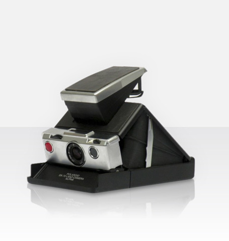 Polaroid SX-70 Alpha (by MiNT)