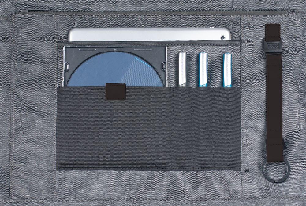 Сумка Piquadro Pulse, цвет черный, 29х41х1,2 см (CA3111P15/N)