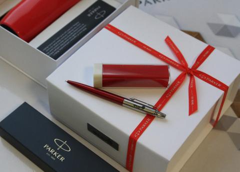 Подарочный набор с гравировкой: Термостакан и Шариковая ручка Jotter Essential, Kensington Red CT123