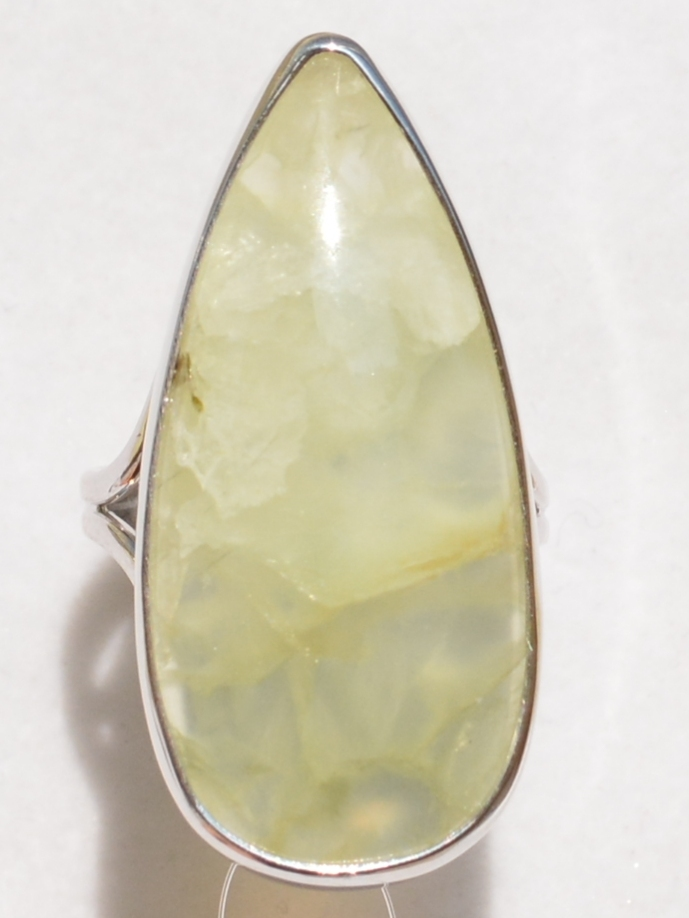 Пренит груша (кольцо из серебра)