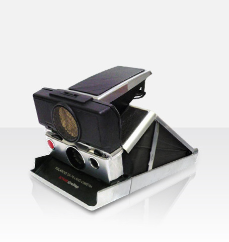 Polaroid SX-70 Sonar OneStep (by MiNT)