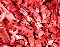 Декоративная щепа красная (мульча) 60 л