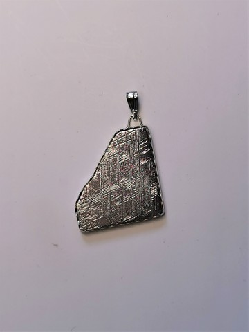 Кулон из метеорита Муонионалуста