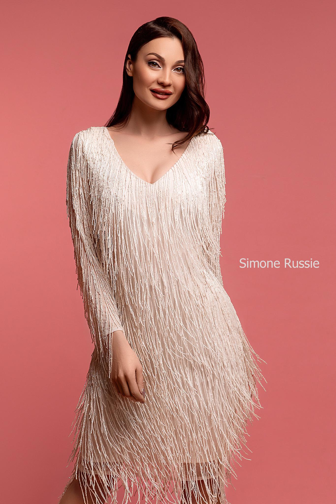 Simone Russie SR1961 Коктейльное платье средней длины с лапшой из бисера