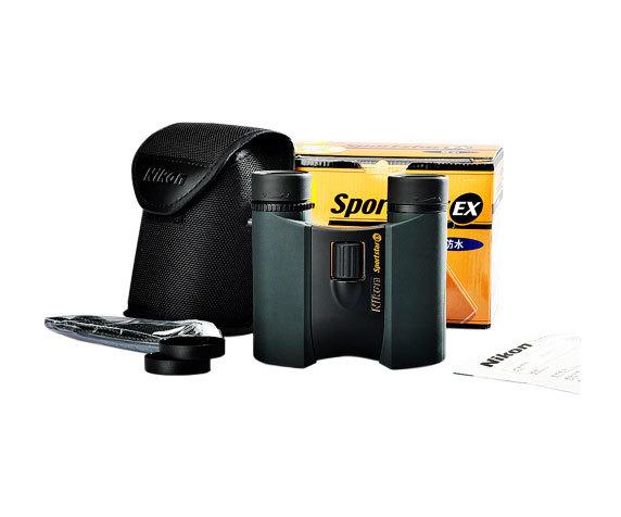 комплект поставки Nikon SportStar: чехол, ремень, салфетка