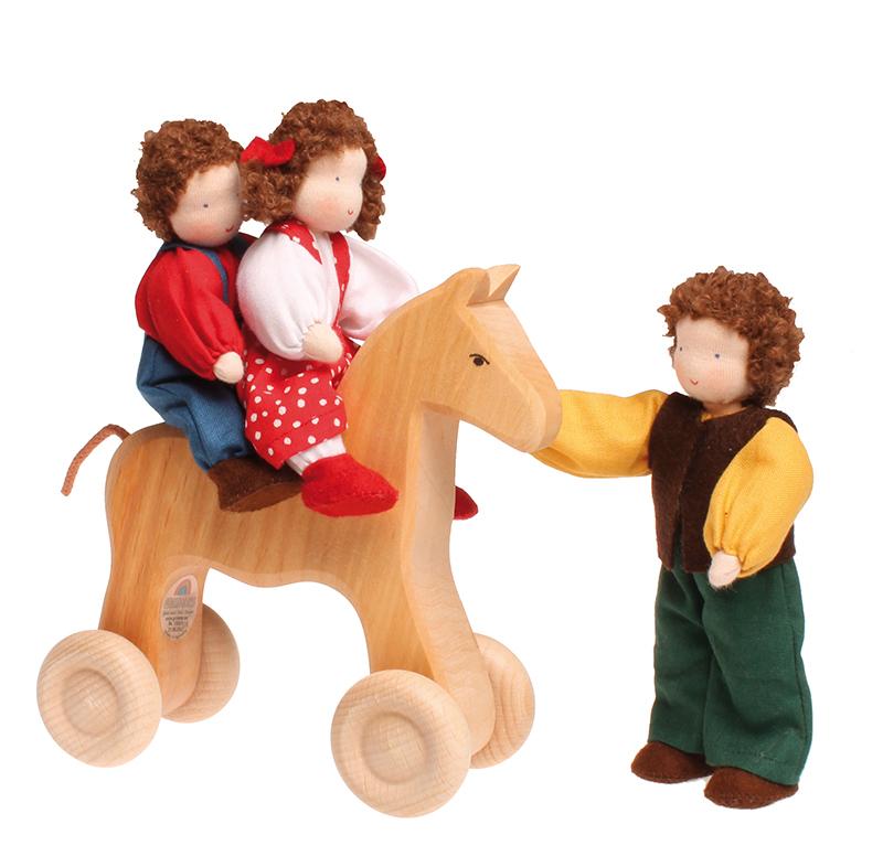 Лошадь каталка Grimms большая