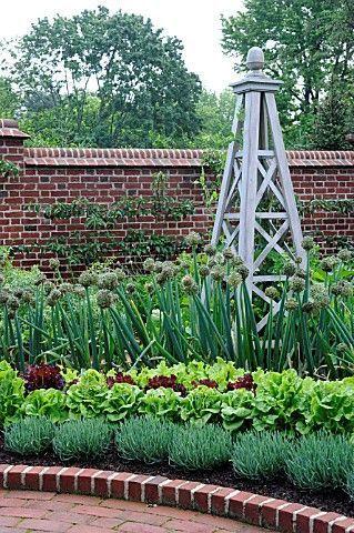решетка - башня для растений