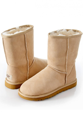 /collection/zhenskie-uggi/product/ugg-classic-short-1411043056