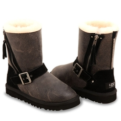 /collection/dlya-devochek/product/ugg-kids-blaise-bomber-black