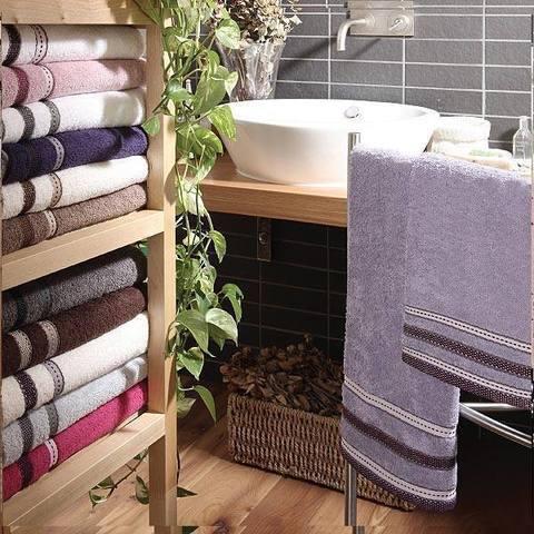 Набор полотенец 2 шт Vingi Ricami Fashion с розово-фиолетовым кантом в коробке белый