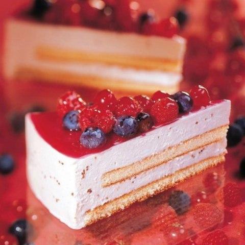 Торт мусс йогуртовый с лесными ягодами, 0,95 кг