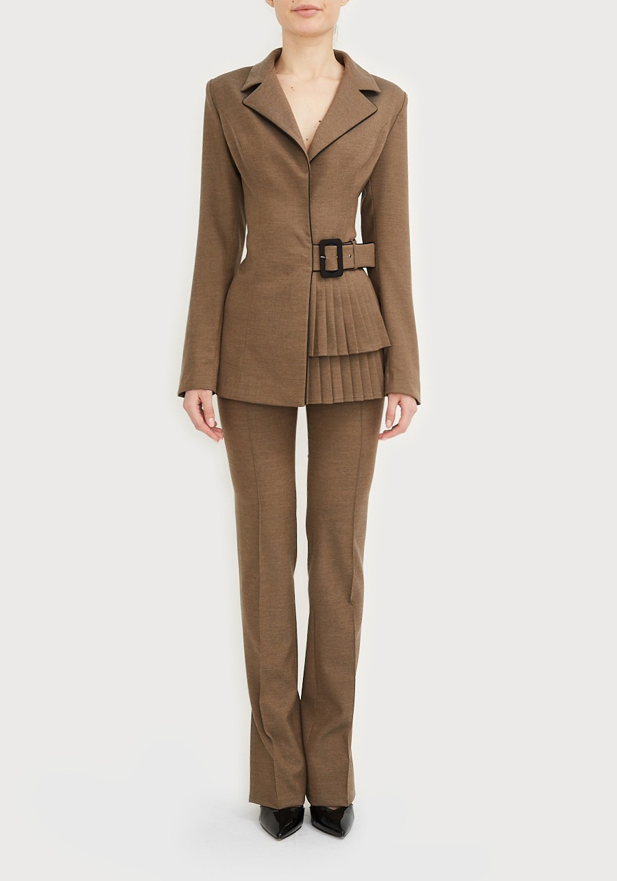 Жакет коричневый с юбкой в складку