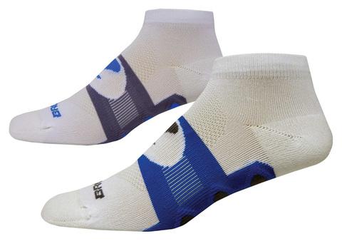 BROOKS ESSENTIAL LOW QUARTER комплект беговых носков белые