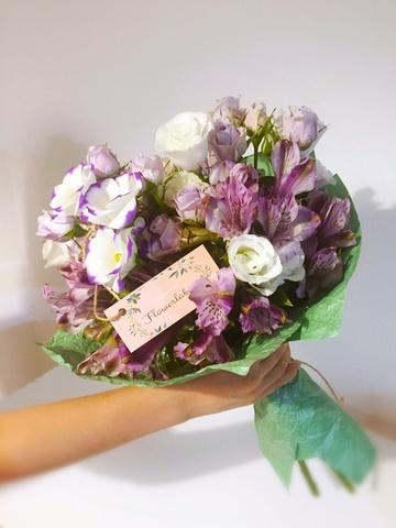 Доставка цветов и букетов в Тбилиси. Купить розы
