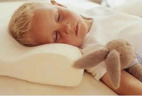 <p>Ортопедическая подушка Memory с эффектом памяти помогает телу пр...