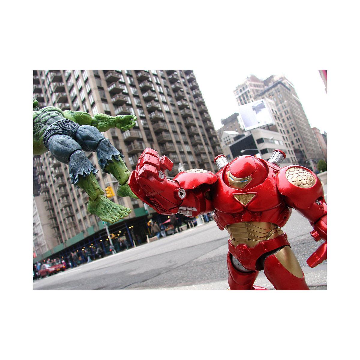 """Железный человек (""""Iron Man Hulkbuster"""") - Marvel Select"""