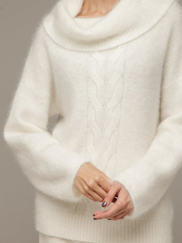 Женский джемпер ванильного цвета с объемным воротником - фото 2