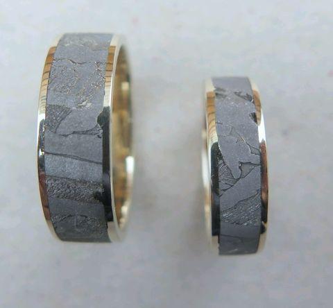 Обручальные кольца из золота и метеорита Сеймчан (Россия)