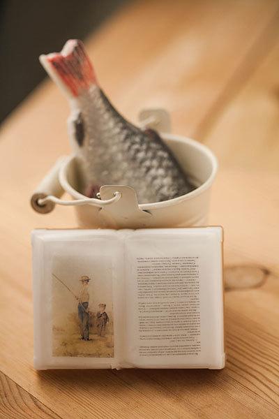Мыло-книга, изготовленное по пластиковой форме