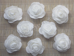 Роза из фоамирана белая диаметр 4 см