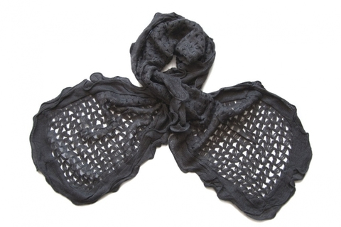 Шерстяной чёрный палантин (0070 PAL 1)