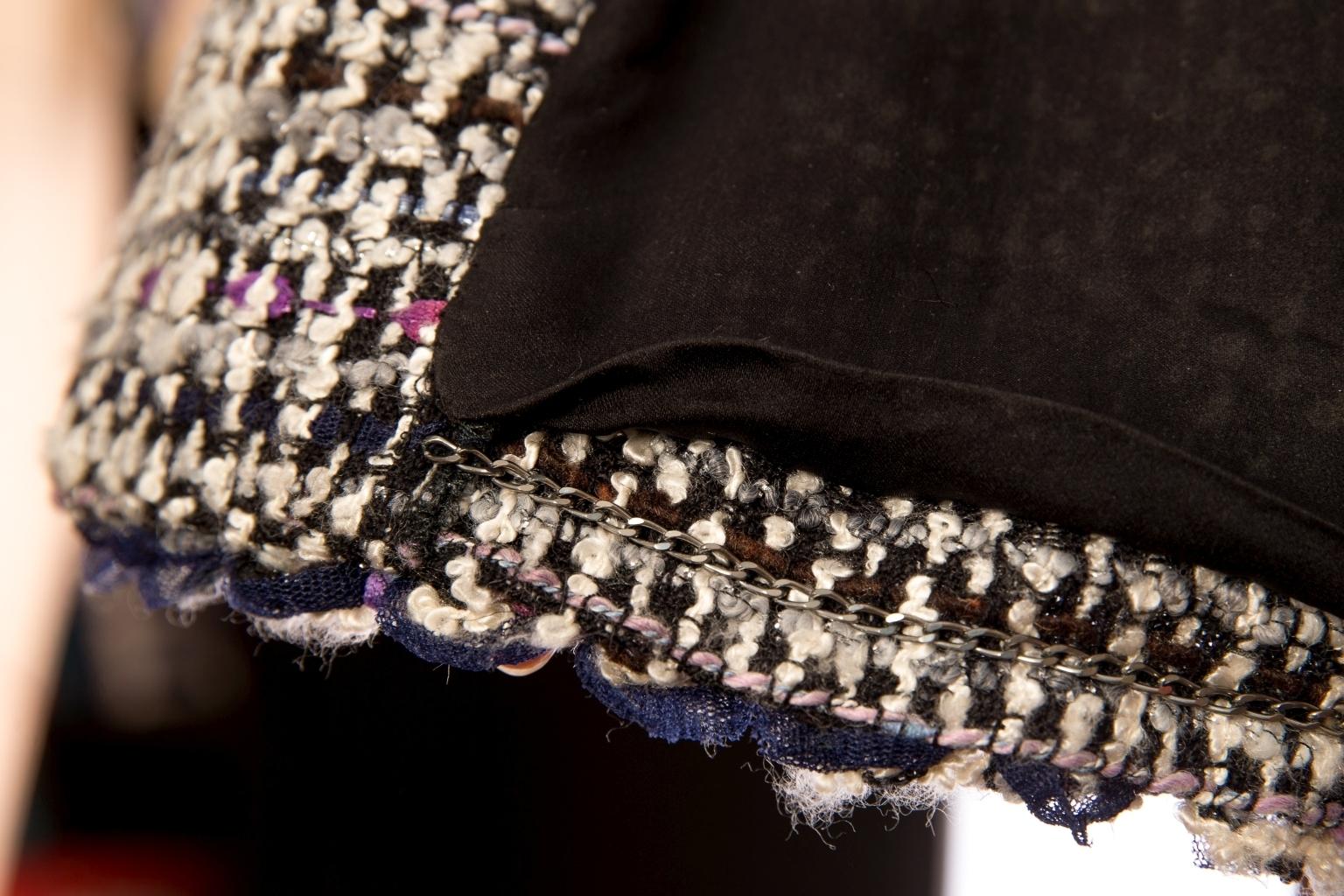 Элегантный жакет из твида от Chanel, 38 размер.