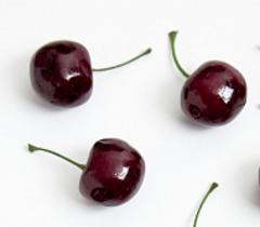 Фрукты, овощи, ягоды, орехи, желуди 3-5 см, искусственные.