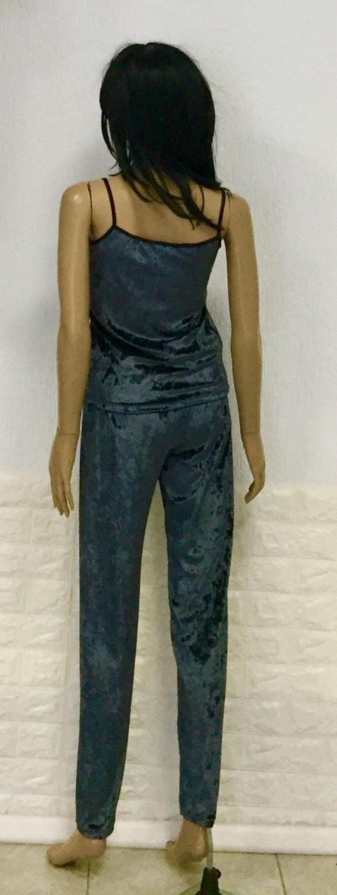 Пижама с штанами велюровая