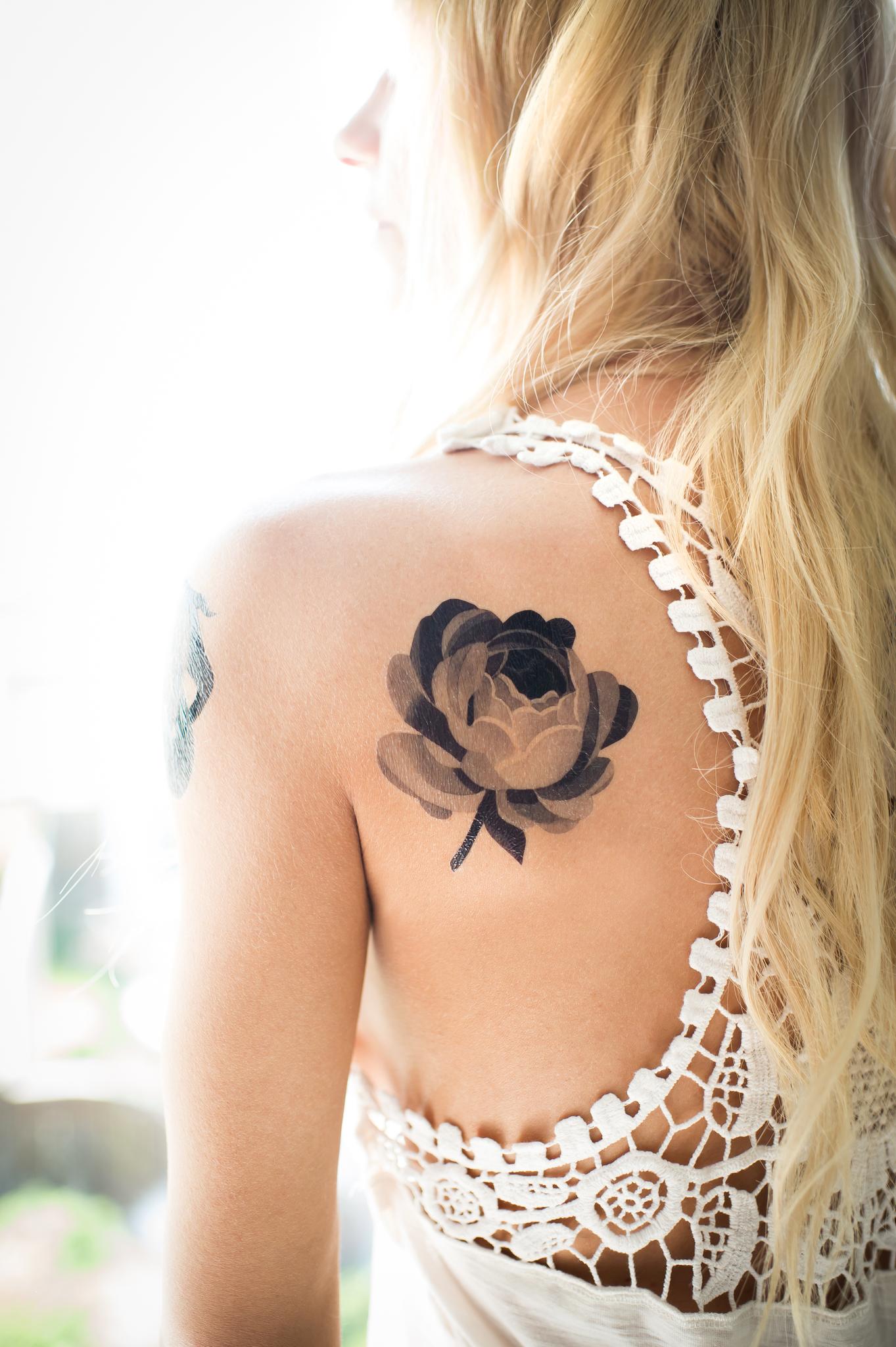 Переводная татуировка Grey Rose