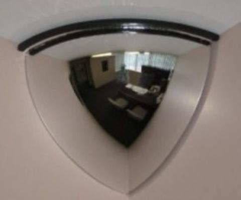Зеркало 600 мм. для помещений купольное четверть сферы (угловое)