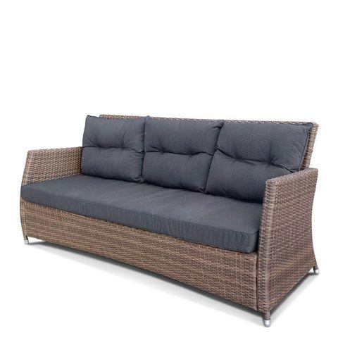 Плетеный диван