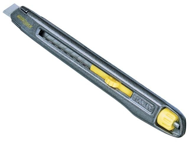 Нож с 9мм лезвием с отламывающимися сегментами  Interlock Stanley 0-10-095