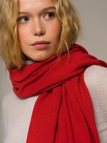 Женский шарф красного цвета - фото 4