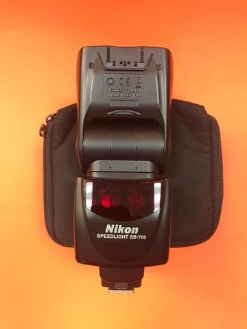 Вспышка Nikon SB-700 комиссия