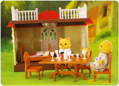 Пристройка к уютному домику Happy family 012-04. Беседка с семейкой котиков