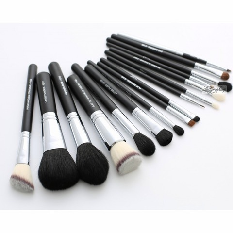 Набор из 16 кистей LancrOne - Set of 16 make-up brushes + case (PL)