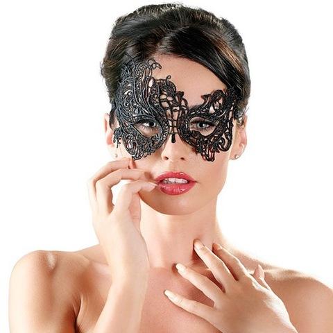 Асимметричная ажурная маска