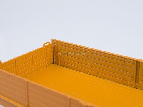 KRAZ-257 B1 board orange AutoHistory 1:43